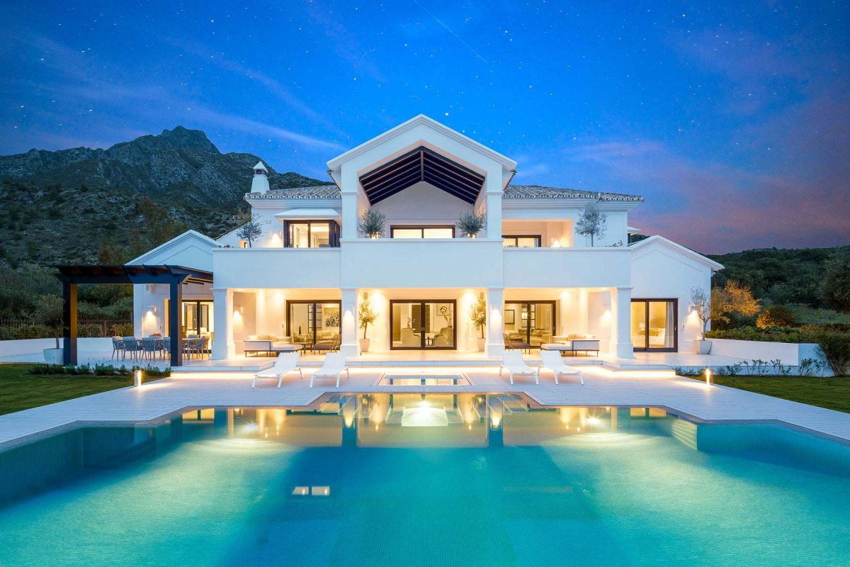 4 bedrooms House for sale in Marbella